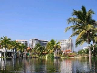 Luxuary Beachfront Condominium in Huahin - Hua Hin vacation rentals