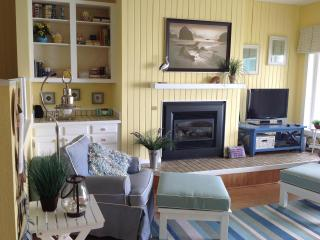 Spectacular Ocean Front Views at Admiral 1 - Depoe Bay vacation rentals