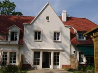 Lovely 2 bedroom Villa in Hardelot Plage with Satellite Or Cable TV - Hardelot Plage vacation rentals