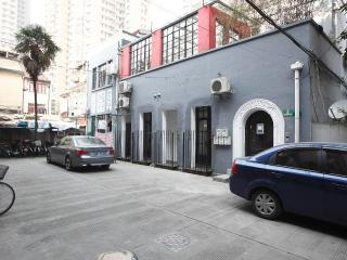 Cozy French Concession Studio M201 - Shanghai vacation rentals