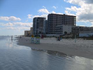 """Smart"" Beachside Town home  -Winter /Fall special - Daytona Beach vacation rentals"