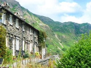 THURSON VIEW COTTAGE, terraced cottage, fantastic views, near Coniston, Ref 915184 - Coniston vacation rentals
