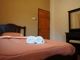 Baan Sally at Kad Farang Hangdong - Chiang Mai vacation rentals