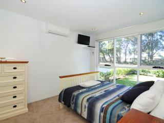 BAYREACH 1, stylish apartment, close to beach - Culburra Beach vacation rentals