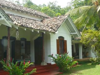 Colonial style holiday villa close to the beach - Galle vacation rentals