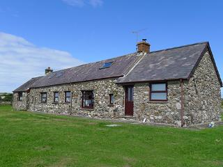 Pet Friendly Holiday Cottage - Tai Bach, Croesgoch - Croesgoch vacation rentals