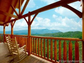 Enjoy Incredible Mountain Views from you spacious 3 bedroom cabin - Sleeps 10 - Sevierville vacation rentals