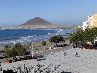 Apartment front playa grande in el Medano - El Medano vacation rentals