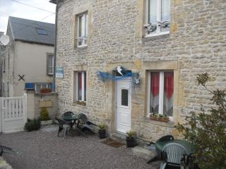 Romantic 1 bedroom Condo in Angerville-la-Martel - Angerville-la-Martel vacation rentals