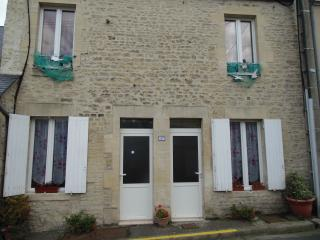 Romantic 1 bedroom Condo in Port-en-Bessin-Huppain - Port-en-Bessin-Huppain vacation rentals