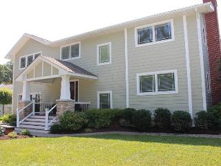 Spacious 7 bedroom Rehoboth Beach House with Deck - Rehoboth Beach vacation rentals