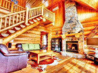 Fiddler Lake Resort: Bear Trail chalet 3 bedrooms - Quebec vacation rentals