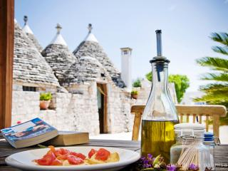 Trulli il Castagno: trullo country house in Puglia - Martina Franca vacation rentals