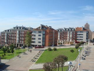 Modern Apartment near Centre & Beach - Santander vacation rentals