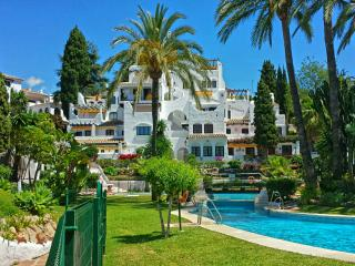 Perfectly situated Puerto Banus Marbella - Nueva Andalucia vacation rentals