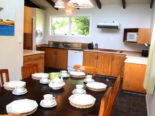 Perfect Bed and Breakfast with Satellite Or Cable TV and Outdoor Dining Area - New Plymouth vacation rentals