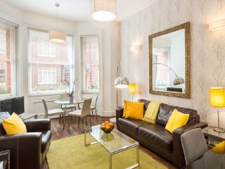 Chelsea 2 bedroom with Lift (4682) - London vacation rentals