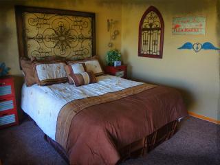 Night Bird Ranch -  B&B - Burlap 'n Lace Room - Ledbetter vacation rentals