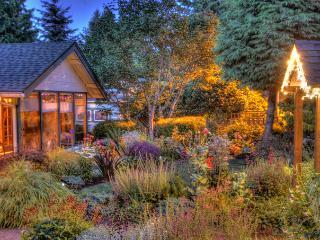 The Heart of Multnomah Village - Portland vacation rentals