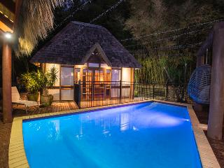 Bright 6 bedroom House in Airlie Beach with Internet Access - Airlie Beach vacation rentals