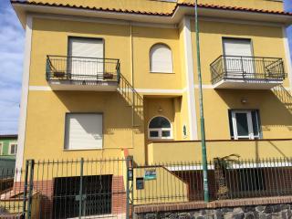 Bright 4 bedroom Apartment in Procida - Procida vacation rentals