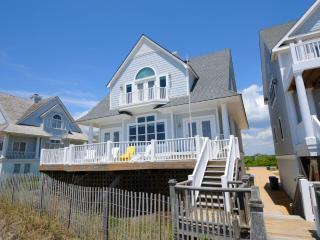 Island Drive 4336 Oceanfront! | Internet, Community Pool, Jacuzzi, Pet Friendly - North Topsail Beach vacation rentals