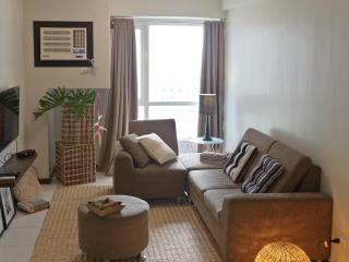 Cozy Apt in the Heart of Makati - Makati vacation rentals
