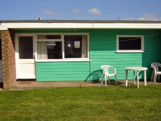 Delightful Chalet 6 , Hemsby,Yarmouth,norfolk - Hemsby vacation rentals