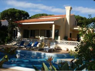Casa Madeira in Quadradinhos, Vale Do Lobo - Vale do Lobo vacation rentals