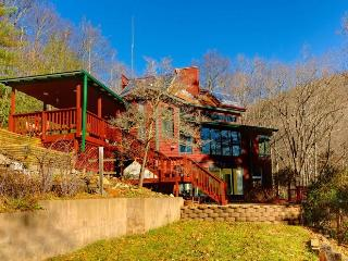 UNPLUG! Off Grid Secluded & Spacious Mountain Home - Burnsville vacation rentals