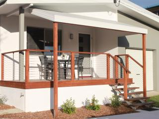 Sunrise Villa, Caloundra - 2 Bedroom, Pet Friendly - Kings Beach vacation rentals