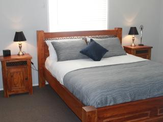 Sunrise Villa, Caloundra - 2 Bedroom, Pet Friendly - Kings Beach vacation rentals