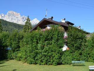 Nice Townhouse with Internet Access and Dishwasher - Borca di Cadore vacation rentals