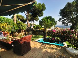 **VILLA MARE LLAFRANC** Sleeps 11 w/ Sea views - Llafranc vacation rentals