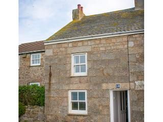 Lovely 3 bedroom Hugh Town Cottage with Internet Access - Hugh Town vacation rentals