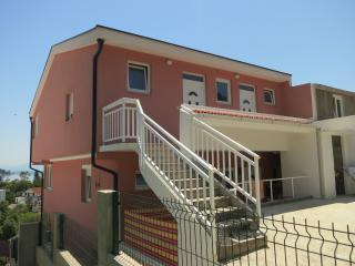2 bedroom Condo with Internet Access in Zaostrog - Zaostrog vacation rentals
