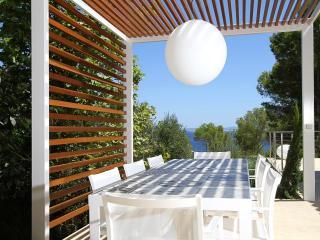 Bright 4 bedroom Villa in Sol de Mallorca - Sol de Mallorca vacation rentals