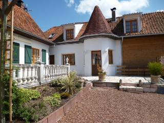 Lovely 2 bedroom Montreuil-sur-Mer Cottage with Internet Access - Montreuil-sur-Mer vacation rentals