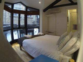 LOndon City Court Yard Cottage - London vacation rentals