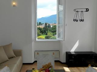 Casa Roby near the center of Bellagio, FREE WIFI - Lake Como vacation rentals