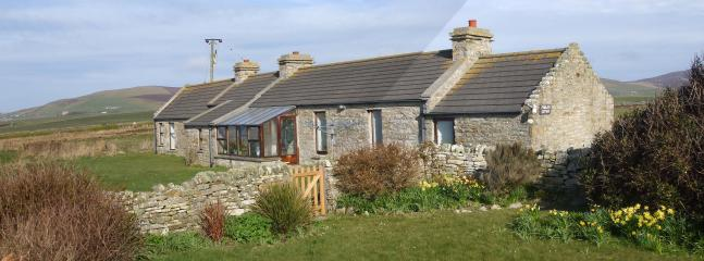 Findlays Holiday Cottage in Orkney, Scotland - Image 1 - Orphir - rentals