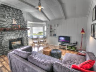 Ocean Front in the Heart of Yachats! - Yachats vacation rentals