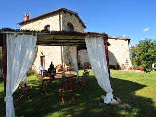 "Country Resort Il Frassine ""Appartamento Rubino"" - Rignano sull'Arno vacation rentals"