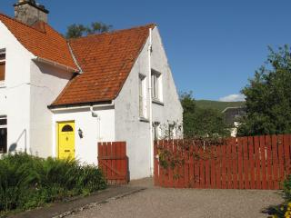 Bright 3 bedroom Kinlochleven House with Internet Access - Kinlochleven vacation rentals
