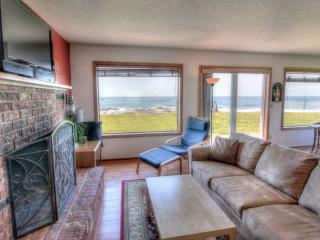 Charming Ocean Front Home with Hot Tub! FREE NIGHT - Yachats vacation rentals