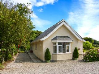 BEDW ARIAN COTTAGE detached, all ground floor, high quality cottage in Benllech Ref 916021 - Island of Anglesey vacation rentals