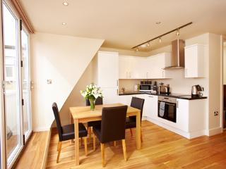 The West End 2 Bedroom 1 Bathroom Apartment - London vacation rentals
