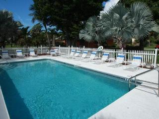 Anna Maria Island Tropical getaway,Castvilla #1 Ground floor Retreat - Anna Maria vacation rentals