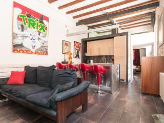 Beach House on Rambla de Poble Nou! - Barcelona vacation rentals
