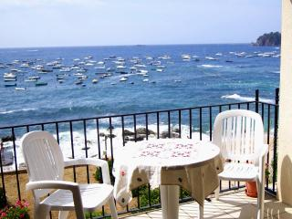 Beachfront Holiday Apartment, Beach & sea views - Calella De Palafrugell vacation rentals